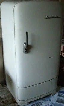 фото холодильники старые