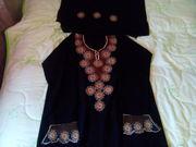 продам национальное платье и платок хиджаб черное с вышивкой мусульман
