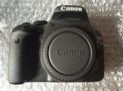 Canon EOS 550D Цифровые зеркальные фотокамеры с EF-S 18-55mm IS объект