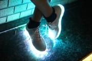 Светящиеся кроссовки с LED подошвой хит сезона